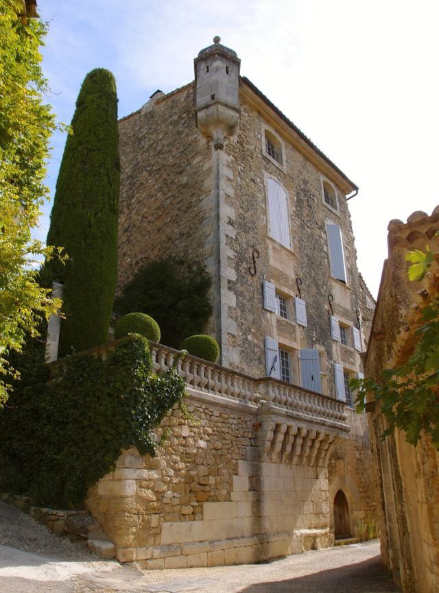 A Provence Garden Fit for A Fairytale #lacarmejane #gardens #provence