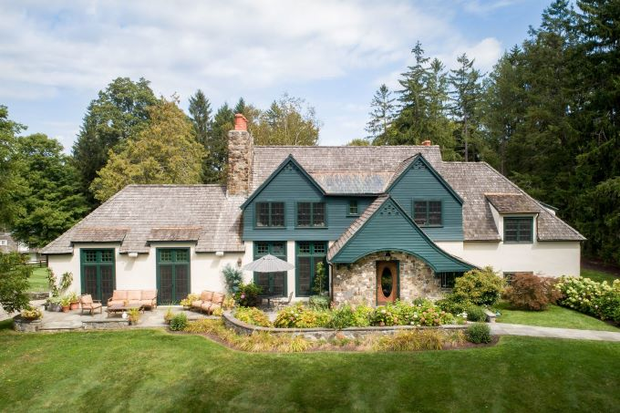 luxury estates, equestrian style design, luxury interior design, horse farms, upstate new york horse farms